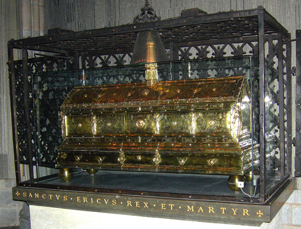 Casket-of-Eric-the-Saint-in-Uppsala-Cathedral.jpg
