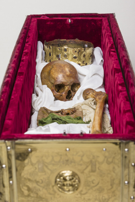 Eric-remains-in-reliquary.jpg
